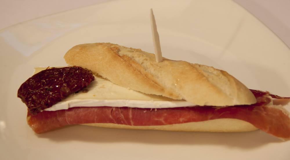 Ham and cheese Trainera