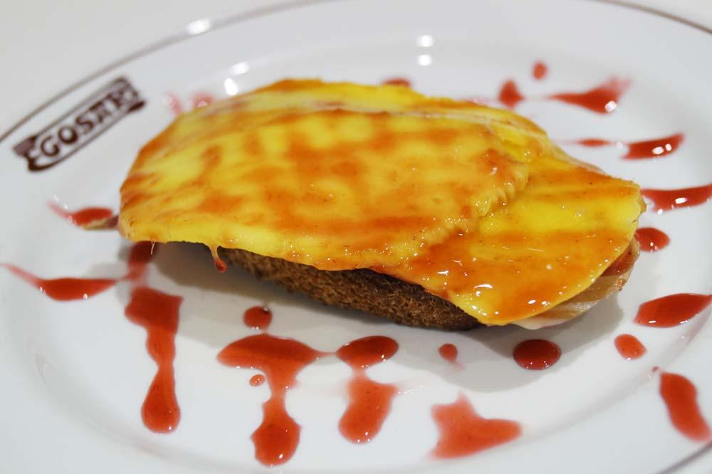 Foie gras with mango