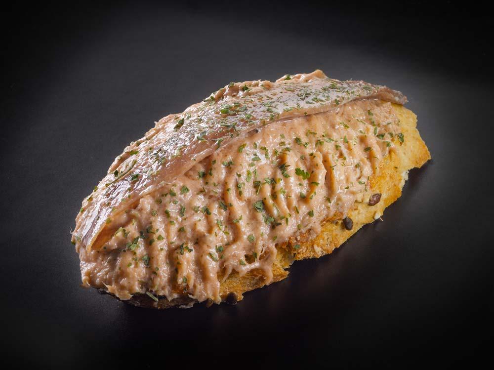 Cream of albacore tuna Donostiarra-style